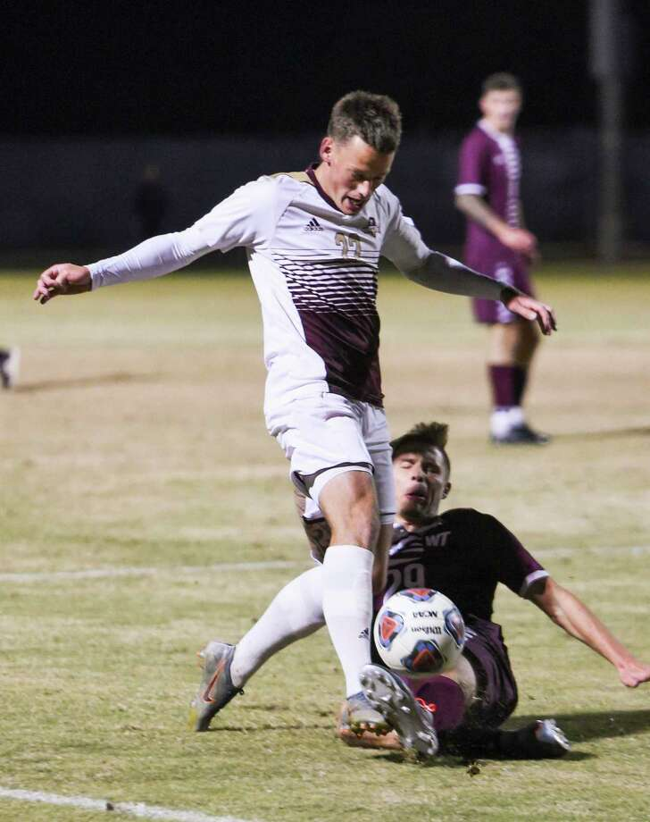 Ruben Nielsen had team highs of 10 goals, eight assists and 43 shots on goal in his senior season at TAMIU. Photo: Danny Zaragoza /Laredo Morning Times File