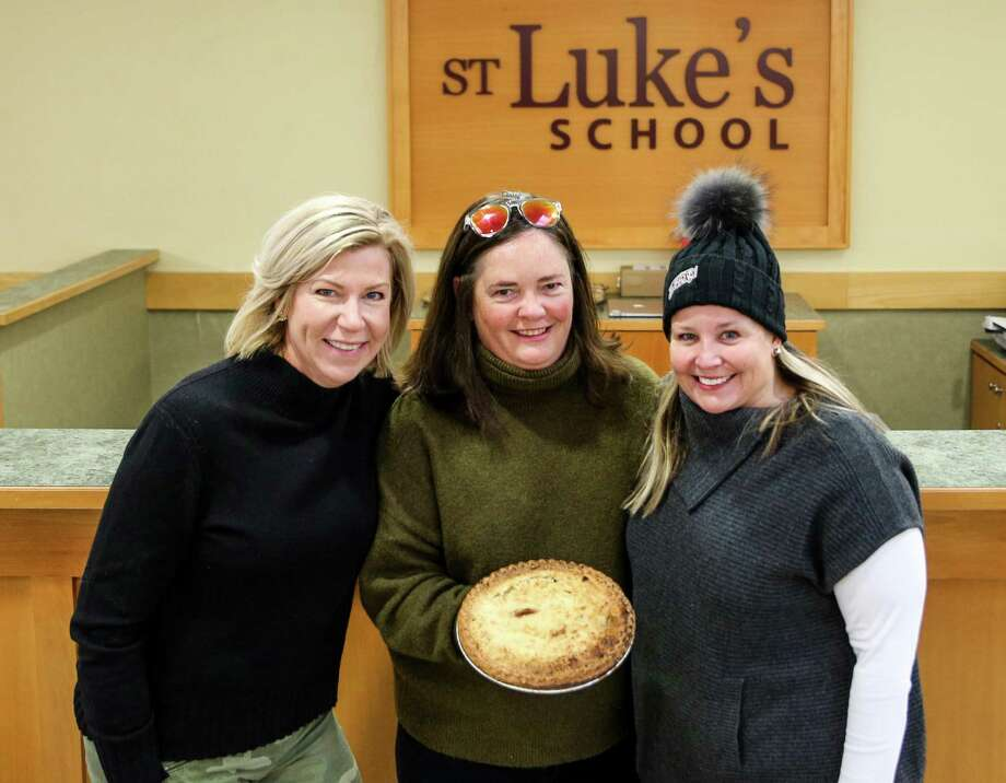 St. Luke's Parents' Association Pie Giveaway Committee chairs, Jenn Kubick, Kate Stimpson and Alicia Lyon. Photo: Valerie Parker / Contributed Photo / @ St. Luke's School