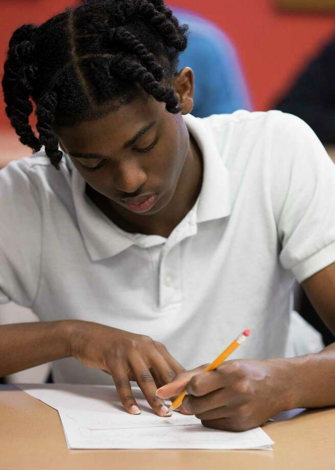 A student in Houston puts thoughts to a page. But hopefully not in five-paragraph essay form. The five-paragraph essay has done little to help students develop writing skills and doesn't apply to the world of work. Let's do away with it. Photo: Yi-Chin Lee /Staff Photographer / © 2019 Houston Chronicle