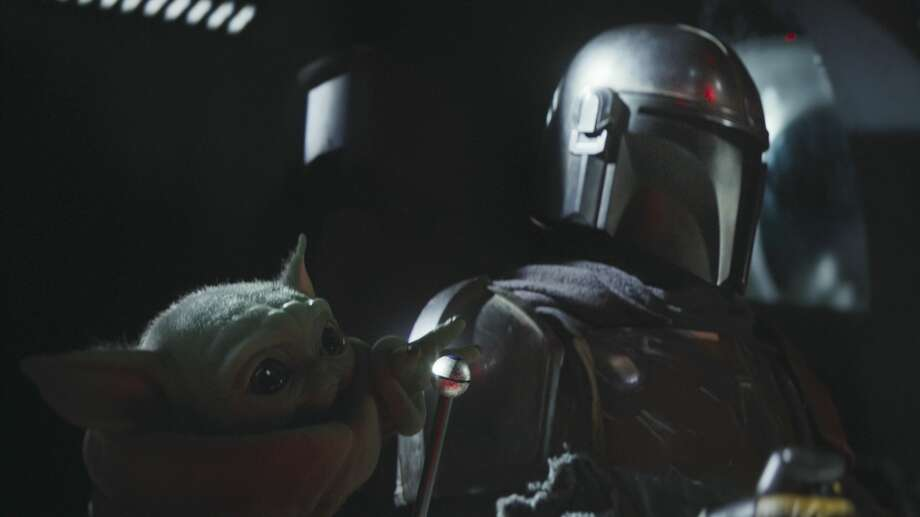 """Episode 3 of Disney's new streaming Star Wars show """"The Mandalorian"""" saw our hero (wait, is he the hero?) make an important choice. Photo: 2019 Lucasfilm Ltd."""