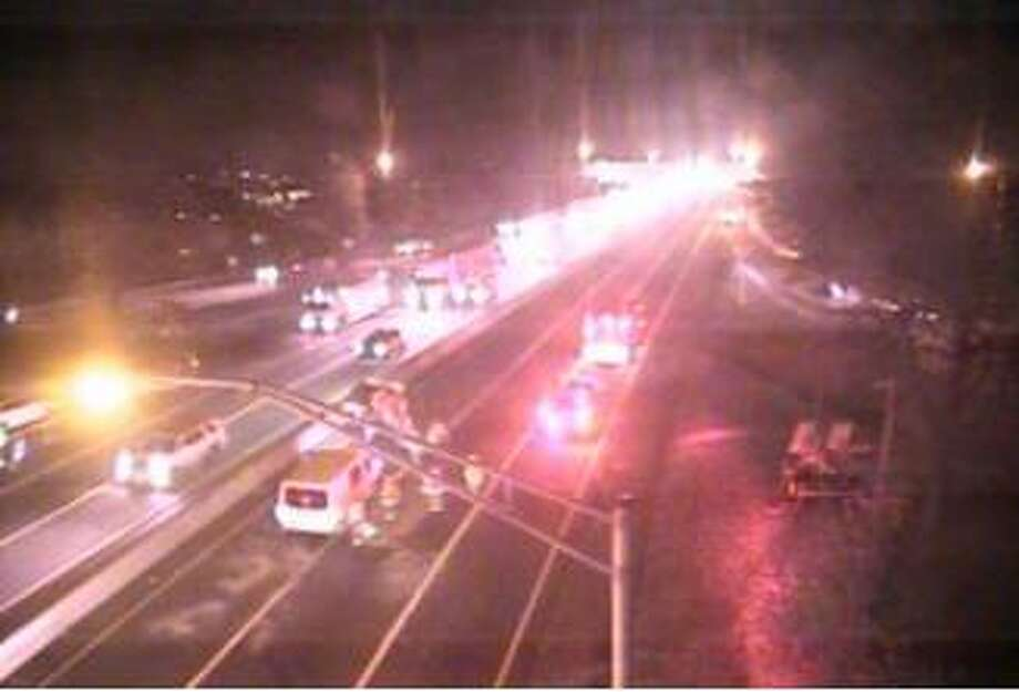 Screenshot of the CTDOT traffic camera at Exit 16 of I-95 south in Norwalk, Conn., on Nov. 22, 2019. Photo: Contributed Photo
