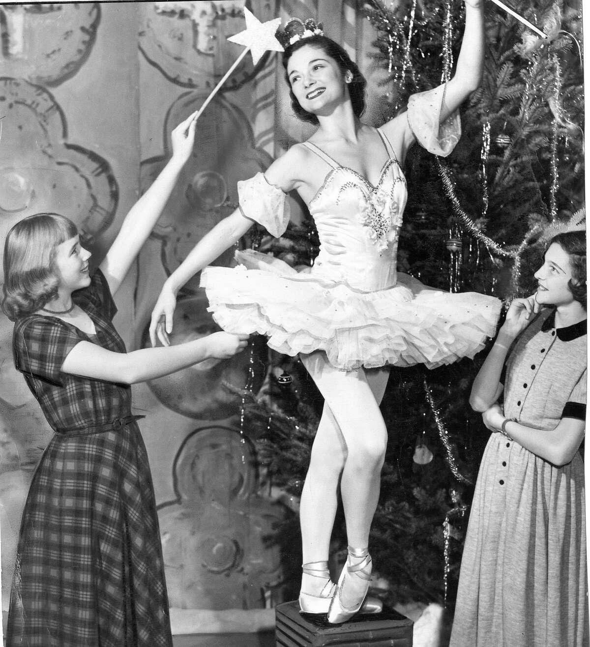 Carla Raven , Jocelyn Vollmar, and Mimi London at the dress rehearsal of San Francisco Ballet's Nutcracker, December 6, 1949 Photo ran 12/18/1949, P. 1 Datebook