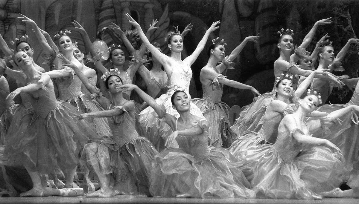 Elizabeth Loscavio (center) as Butterfly amid the flowers in Waltz of the Flowers at the San Francisco Ballet's Nutcracker, December 14, 1993 Photo ran 12/16/1993, P. D1