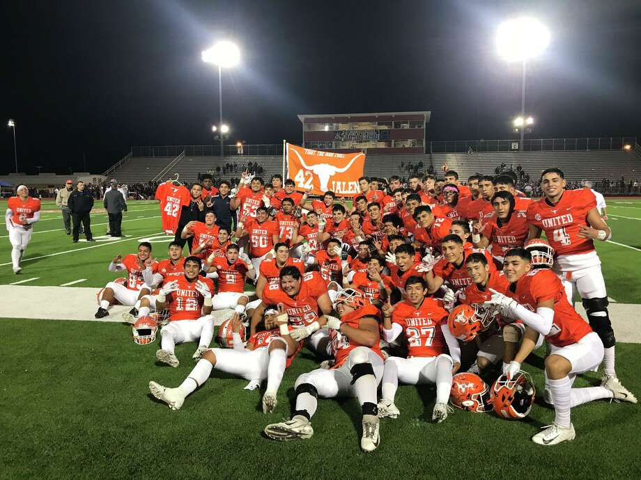 United won an Area title with a 45-28 win over San Benito on Friday. Photo: Cuate Santos /Laredo Morning Times