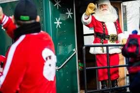 The annual Midland Santa Parade rolls through downtown Saturday, Nov. 23, 2019. (Cody Scanlan/for the Daily News)