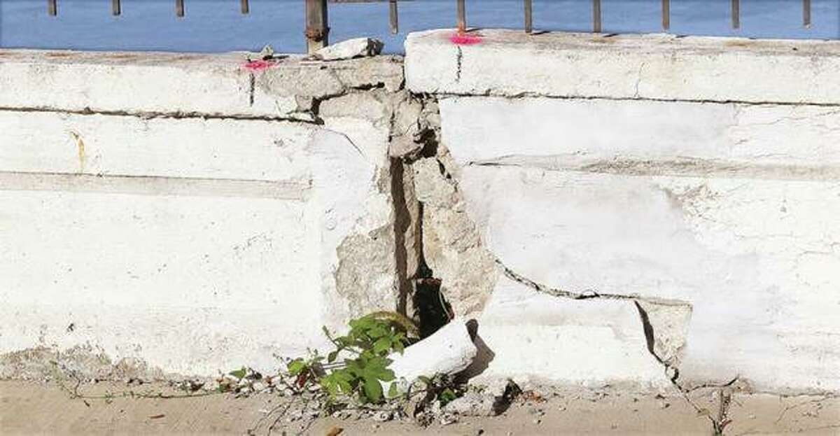 The Alton City Council will meet as a committee of the whole Monday night to discuss a new tax levy and continue its talks on how to address a damaged retaining wall on Riverview Drive discovered earlier this year. An engineering firm has provided three suggested options for the city, ranging in cost from $169,000 to more than $561,000.