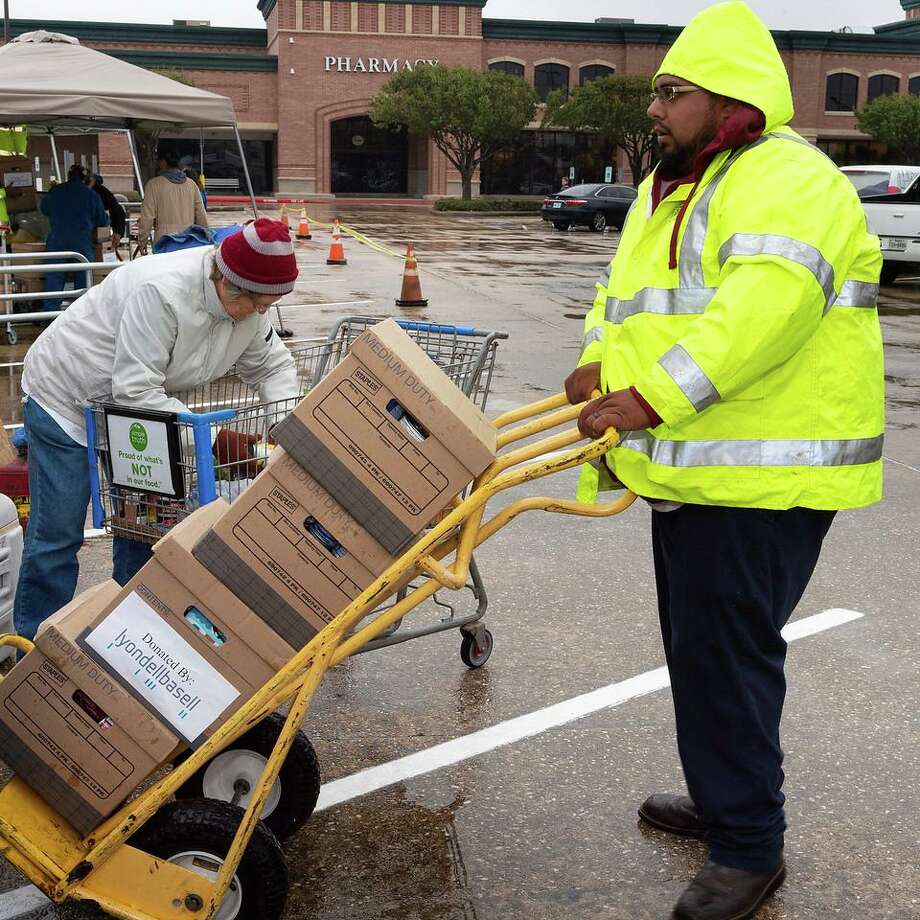 The annual Can Do Food Drive involves donations and volunteer contributions from residents, groups and campuses in Pasadena ISD. Photo: Courtesy City Of Pasadena / Courtesy City Of Pasadena