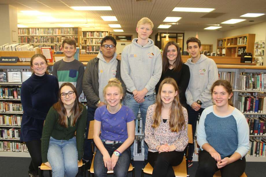 Frankfort Interact Club members pose with the four foreign exchange students they hosted on Nov. 20. Photo: Robert Myers