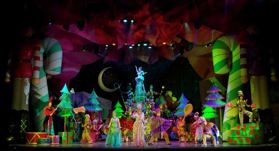 """""""Cirque Dreams Holidaze"""" comes to Toyota Oakdale Theatre in Wallingford, Dec 6 - 8. Photo: Contributed Photo"""