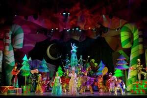 """""""Cirque Dreams Holidaze"""" comes to Toyota Oakdale Theatre in Wallingford, Dec 6 - 8."""