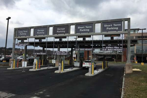 Which lane? Parking system causes some confusion at Albany airport