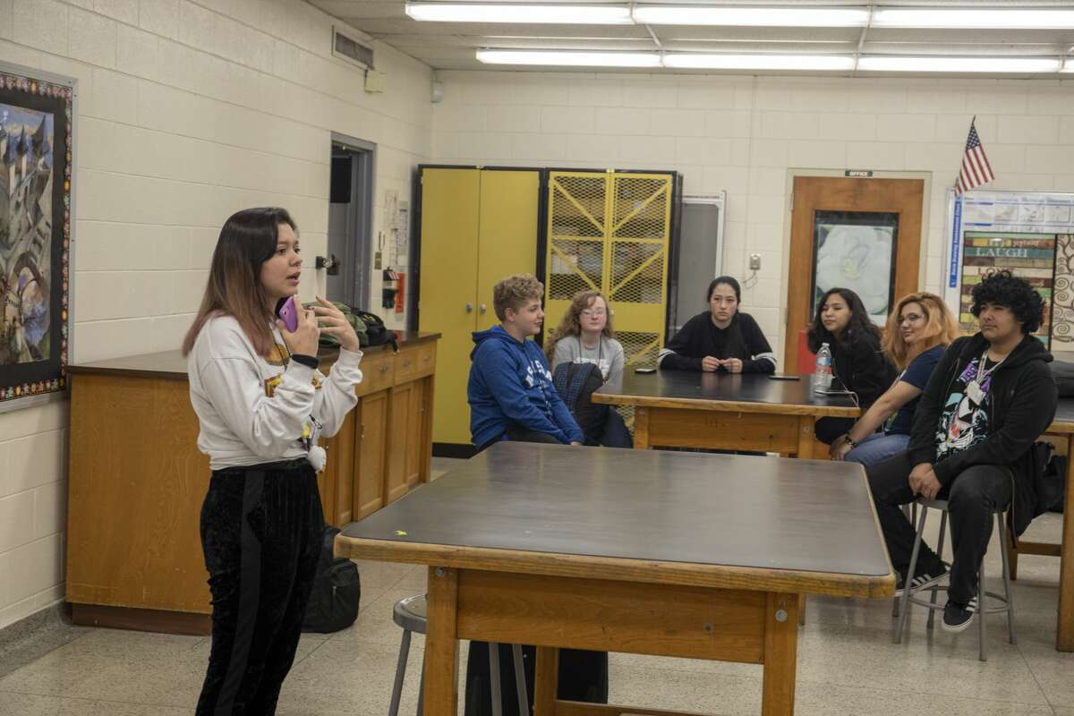 Students formed the Garden Sculpture Club on Wednesday, Nov. 20, 2019 to revitalize the garden in the middle of Permian High School. Jacy Lewis/Reporter-Telegram