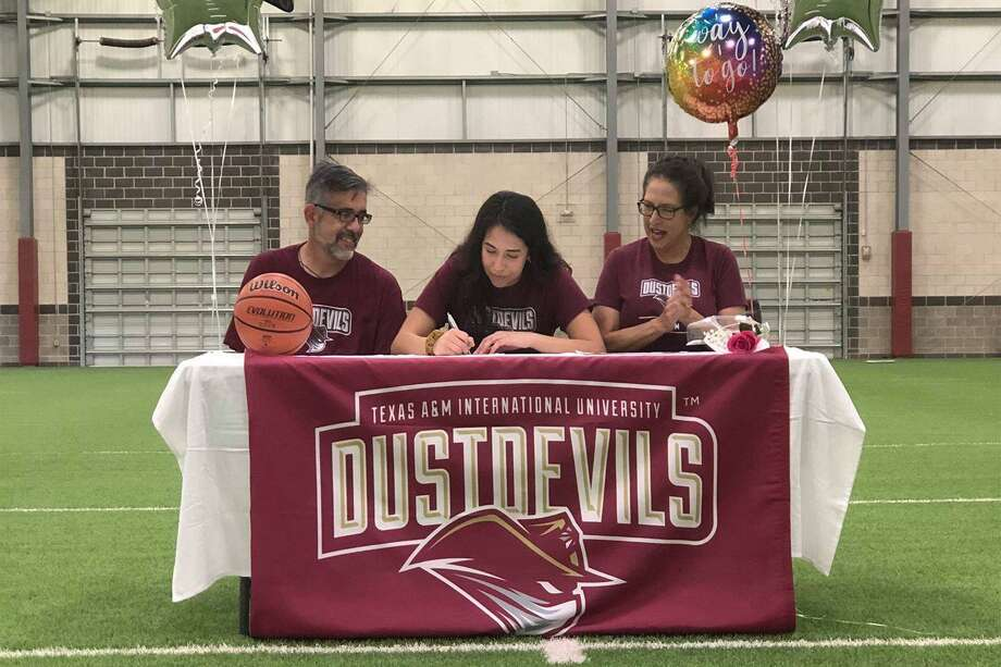 Maegan Bazan signs her National Letter of Intent to play for TAMIU. Photo: Courtesy Of TAMIU Athletics