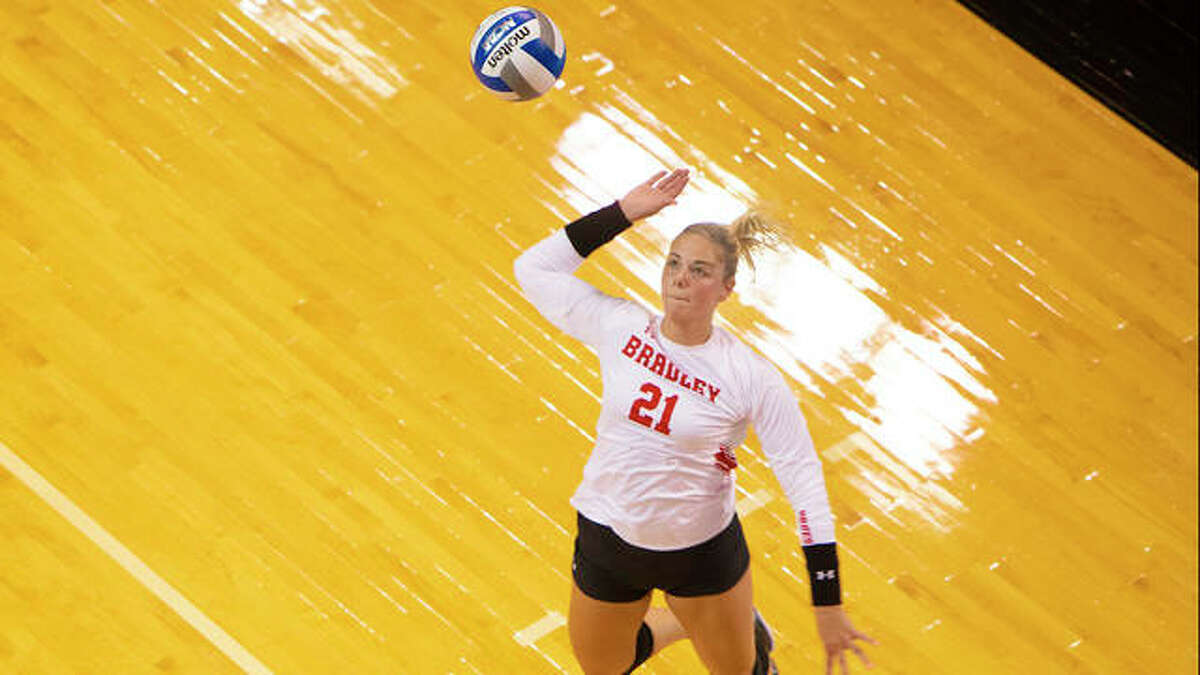 Rachel Pranger in action for Bradley University.