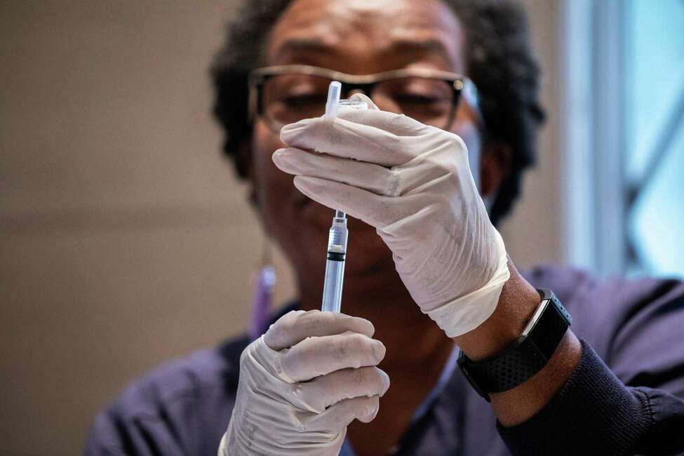 Do: Get a flu shot. The CDC recommends that everyone 6 months and older get a flu vaccine every season, especially persons who are in high-risk groups such as those who are pregnant, very young or over 65.