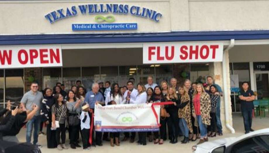 The Central Fort Bend Chamber joined at the Texas Wellness Clinic for a ribbon-cutting ceremony recently. Photo: Central Fort Bend Chamber