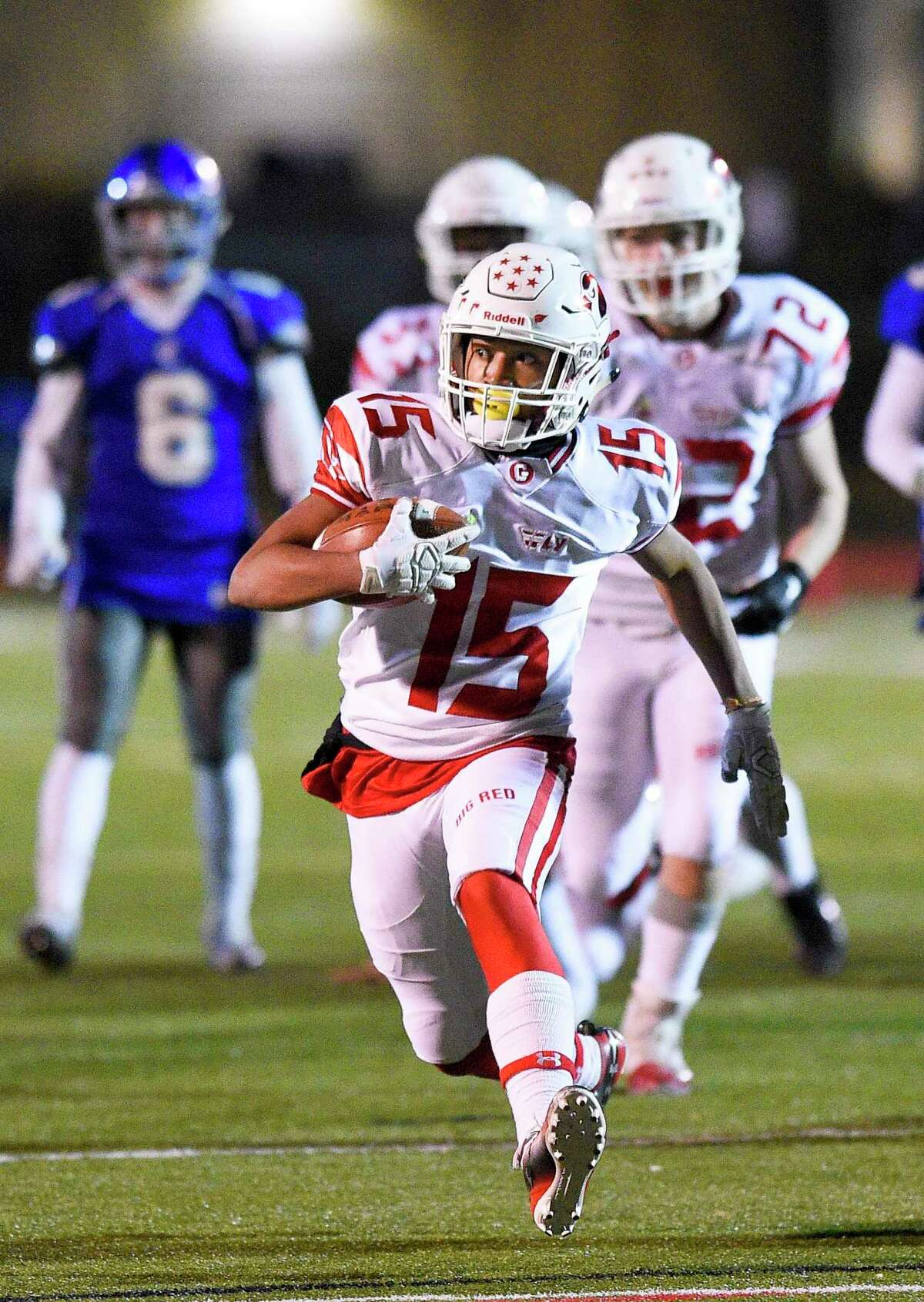 Greenwich'S AJ Barber runs in the open against Fairfield Ludlowe at Taft Field in Fairfield. Greenwich will travel on Thanksgiving Day to face rival Staples.