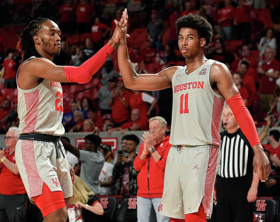 Nate Hinton (11) will look to build off a strong performance in UH's most recent game when he and the Cougars take on Texas State on Wednesday. Photo: Eric Christian Smith, Contributor / Houston Chronicle