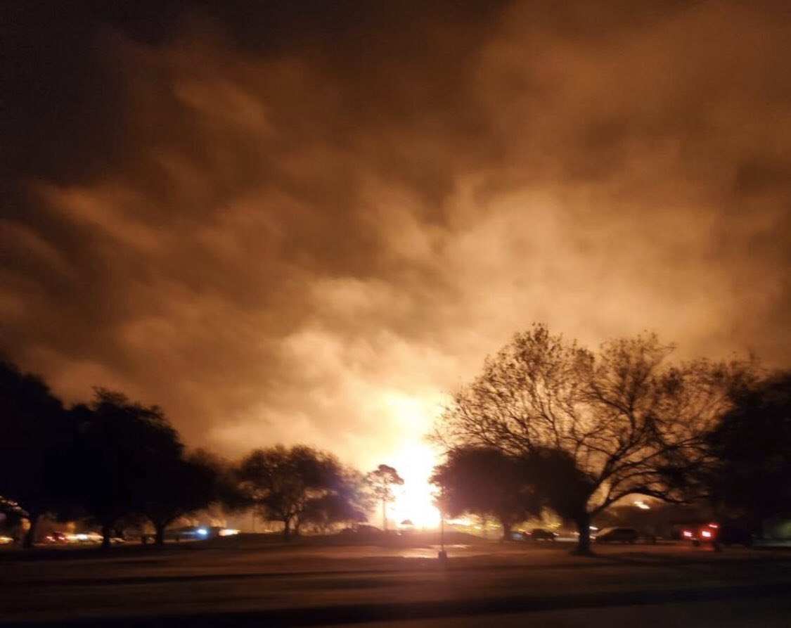 se texas town rocked by chemical plant explosion