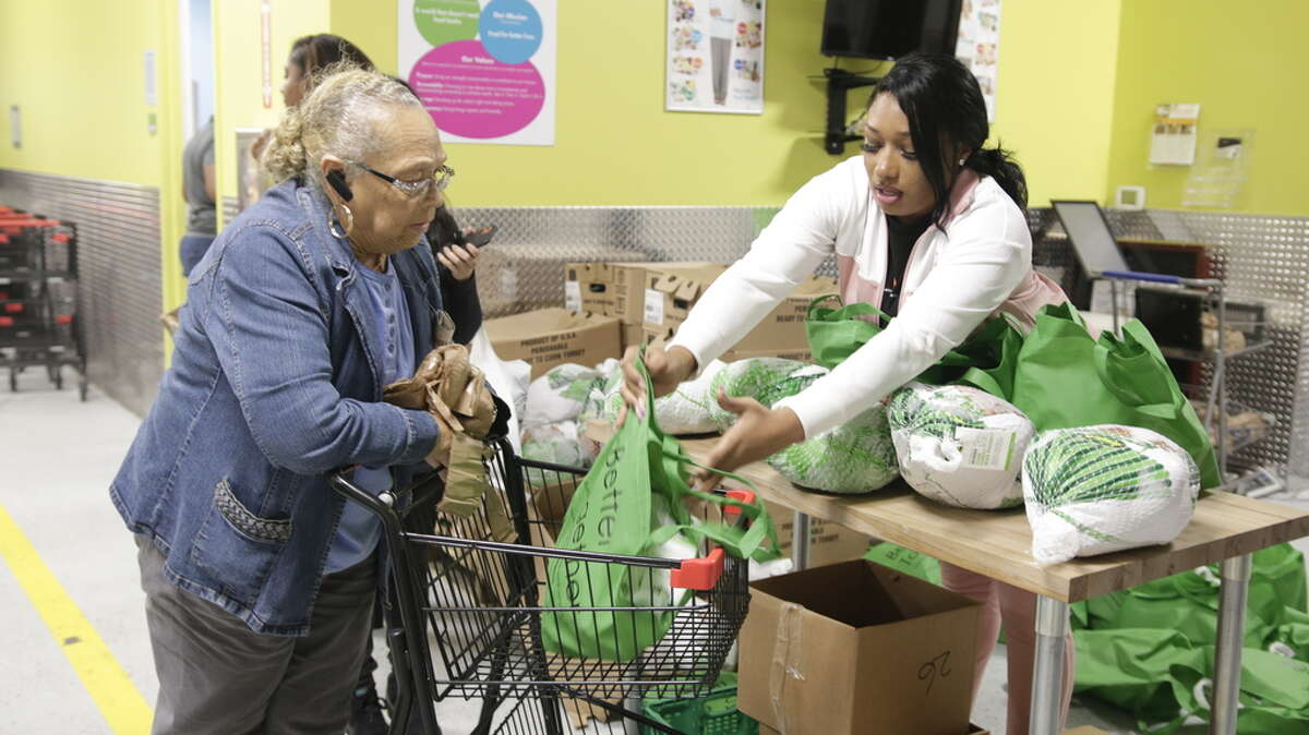 Megan Thee Stallion spent an hour at theHouston Food Bank Portwall Pantry, where she contributed $15,400 worth of turkeys to 1050 households in time for the Thanksgiving holiday.