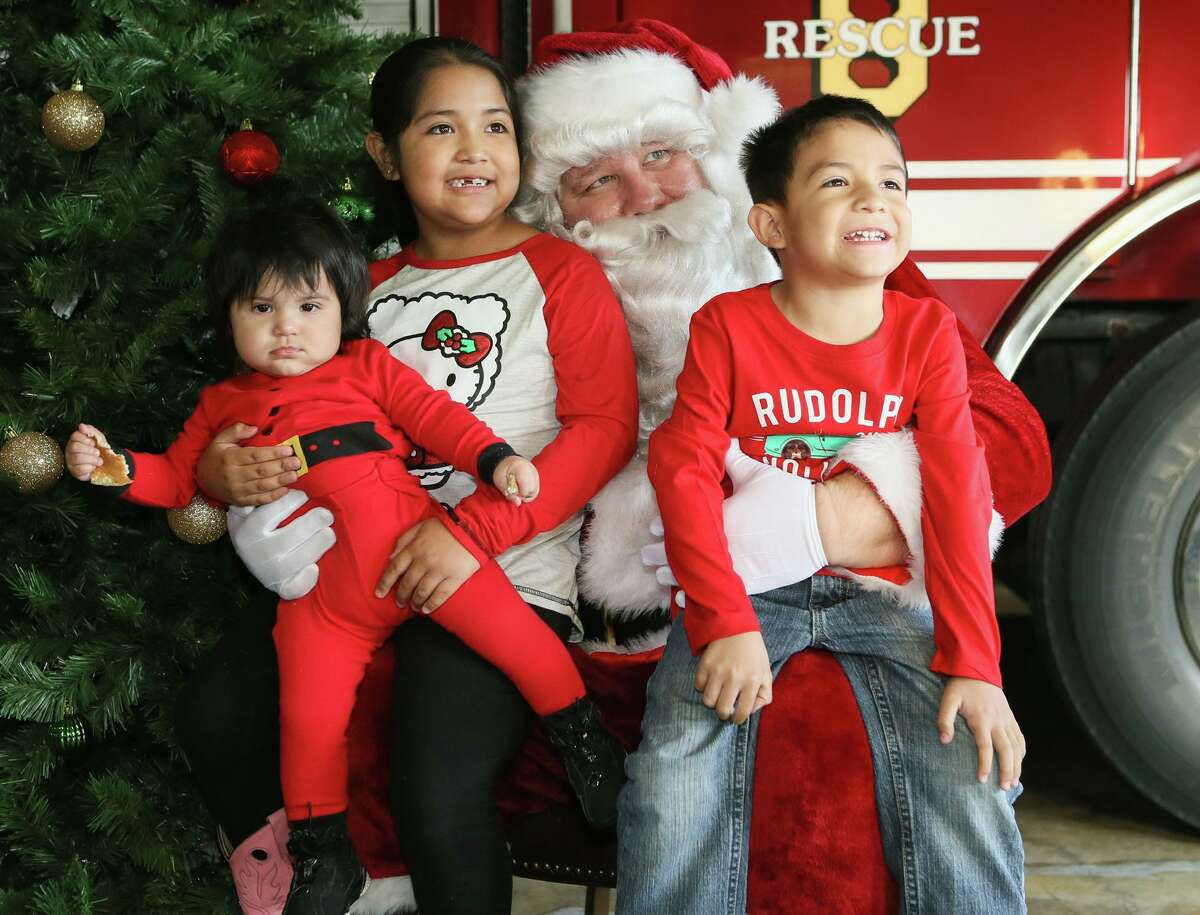 Breakfast with Santa: Sit down and have a free breakfast with Santa Claus. 9-11 a.m. Dec. 14. Thousand Oaks Family YMCA, 16103 Henderson Pass, 210-494-5292, ymcasatx.org/toaks.