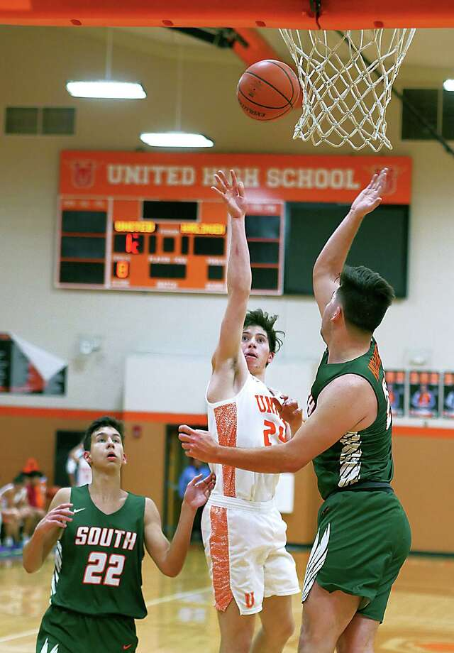 Carlos Guzman shoots the ball for United in a game against Harlingen South on Nov. 27. Guzman has been a key cog of the Longhorns' roster this year. Photo: Cuate Santos / Laredo Morning Times / Laredo Morning Times