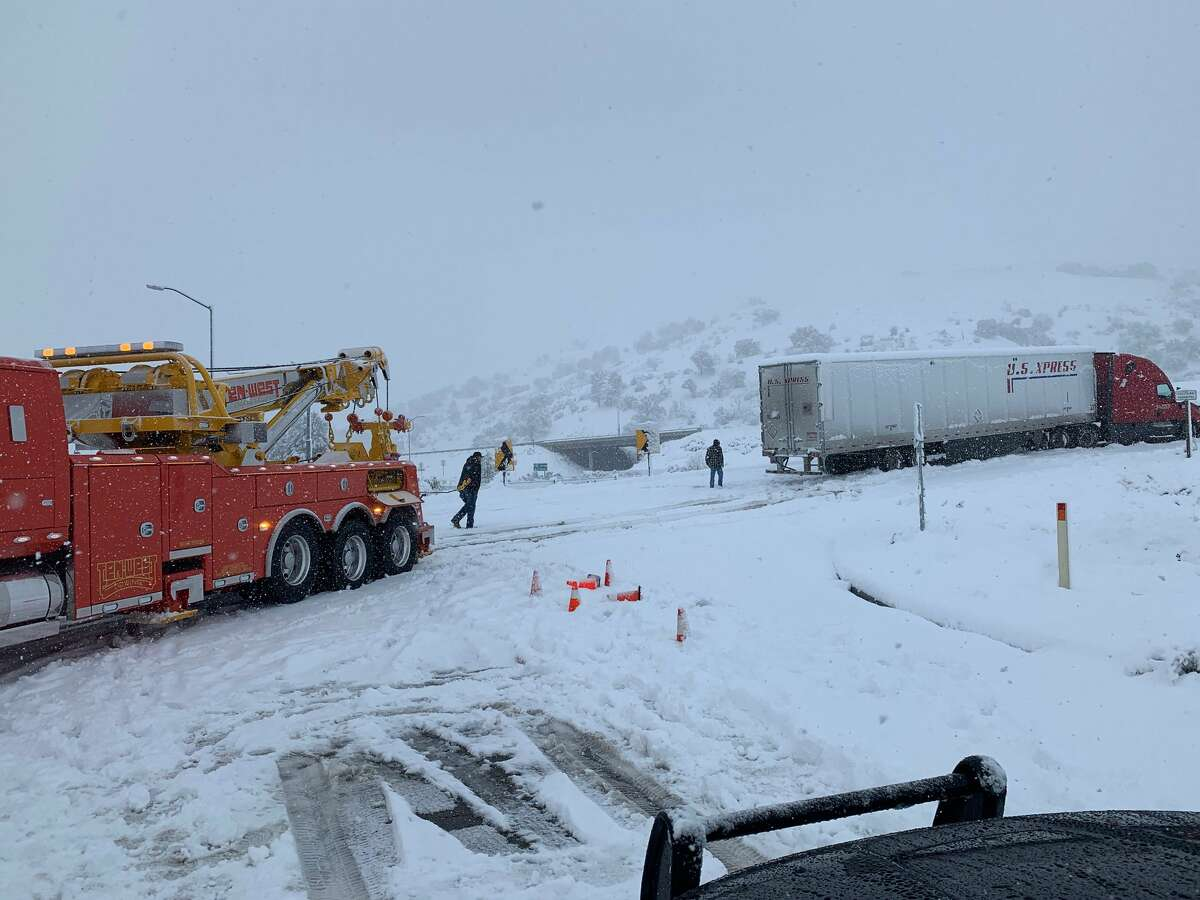 The Grapevine portion of the I-5 Freeway was closed in both directions Thanksgiving morning.