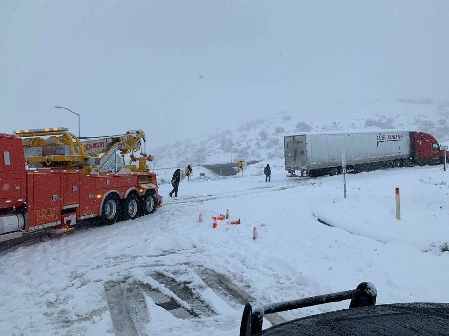The Grapevine portion of the I-5 Freeway was closed in both directions Thanksgiving morning. Photo: CHP Fort Tejon
