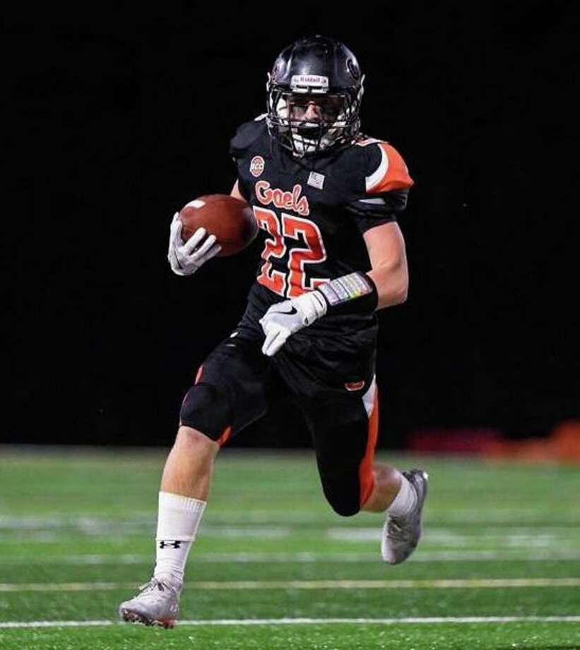 Tyler Pjatak ran for three touchdowns against Derby. Photo: David G. Whitham / For Hearst Connecticut Media / Shelton Herald