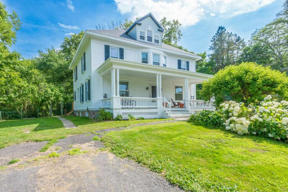 House of the Week: 332 Miller Rd., East Greenbush | Realtor: Vera Cohen of Vera Cohen Realty | Discuss: Talk about this house