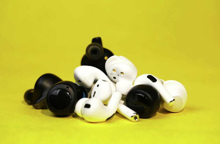 icking the right wireless ear buds has become harder with new options flooding the market. Photo: Washington Post Photo By James Pace-Cornsilk. / The Washington Post