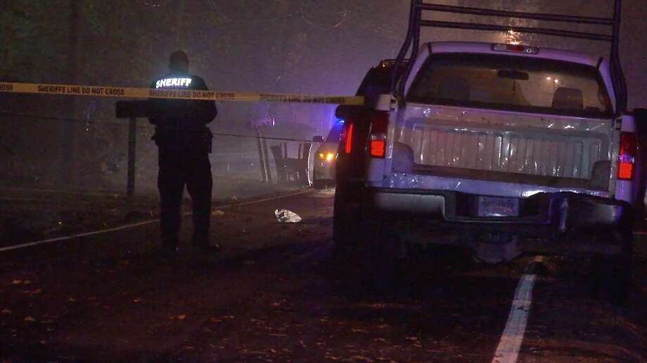 Harris County Sheriff's Office deputies investigate a deadly shooting in the 14000 block of Hershe Street in Cloverleaf on Friday, Nov. 29, 2019. Photo: OnScene.TV