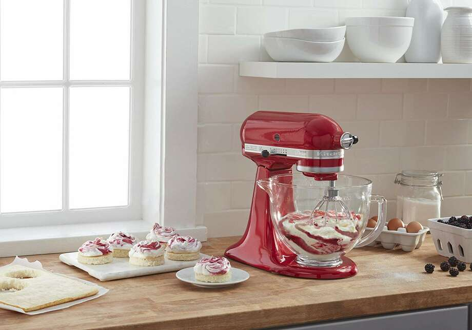 Amazon slashed the price of this KitchenAid stand mixer by nearly $200 on Black Friday. Photo: Amazon