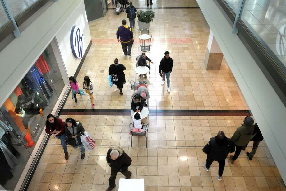 Black Friday shopping at Connecticut Post Mall, in Milford, Conn. Nov. 29, 2019. Photo: Ned Gerard / Hearst Connecticut Media / Connecticut Post