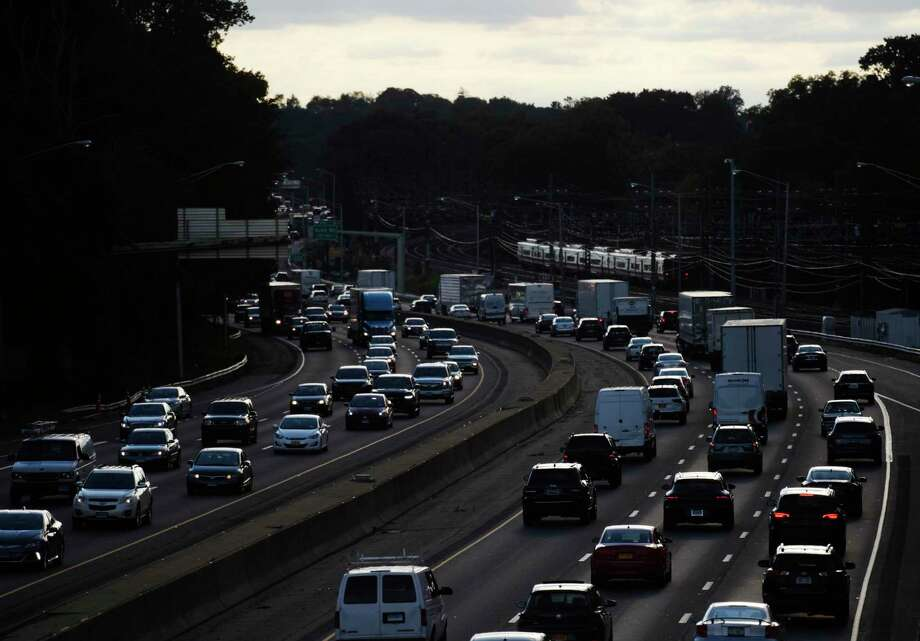 File photo of I-95 near Exit 4 in the Cos Cob section of Greenwich, Conn. Photo: Tyler Sizemore / Hearst Connecticut Media / Greenwich Time