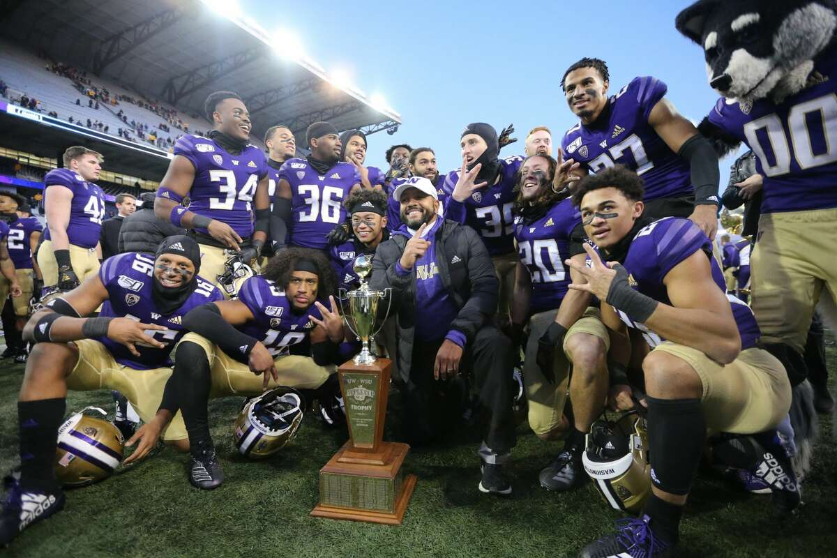 Washington has won seven straight games against its cross-state rival Washington State, dating back to 2013.