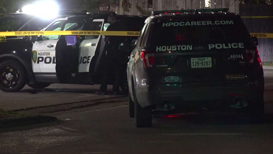 A convenience store clerk is expected to survive after he was shot around 2:50 a.m. Saturday at the East Houston Food Mart, police said. Photo: On Scene