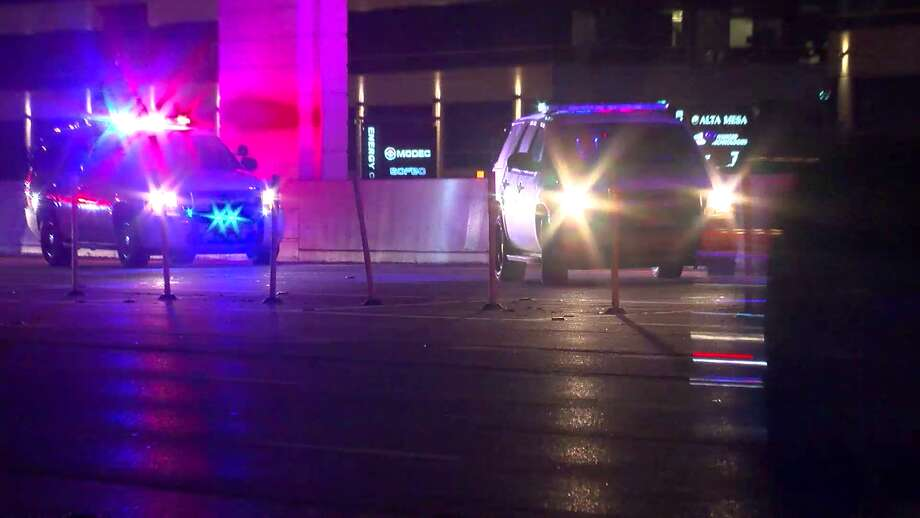 A woman was struck by a car and killed around 2 a.m. Saturday morning after she tried to cross the Katy Freeway, police said. Photo: On Scene