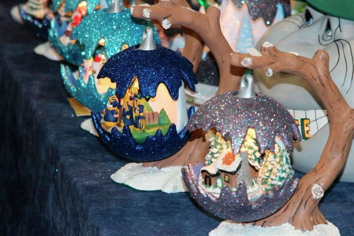 The Holly Berry Arts and Crafts Fair also featured Christmas decorations. (Photo/Colin Merry)