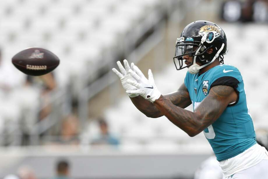 JACKSONVILLE, FLORIDA - AUGUST 15: Terrelle Pryor #10 of the Jacksonville Jaguars catches a pass before the start of a preseason game against the Philadelphia Eagles at TIAA Bank Field on August 15, 2019 in Jacksonville, Florida. (Photo by James Gilbert/Getty Images) Photo: James Gilbert/11iStock/Getty Images