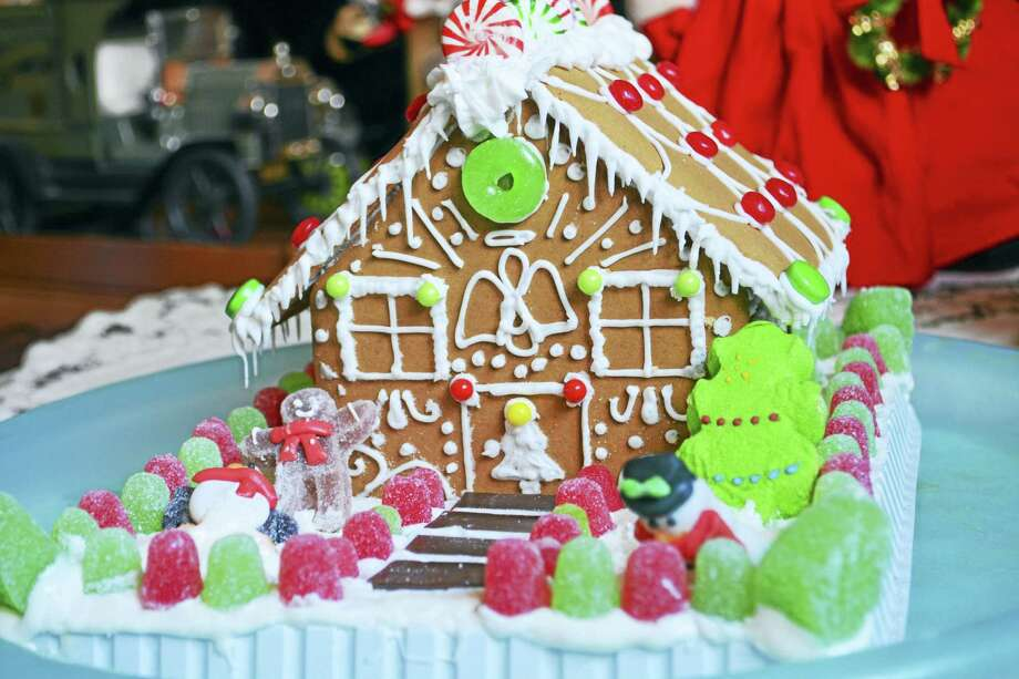 Students in grades 6-9 are invited to decorate a gingerbread house on Dec. 10 at Wilton Library. Photo: / Digital First Media