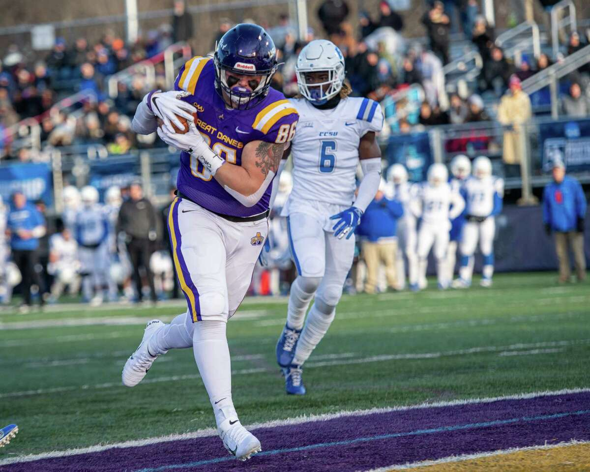 UAlbany tight end LJ Wesneski catches a touchdown pass during a first round NCAA football playoff game against Central Connecticut at UAlbany on Saturday, Nov. 30, 2019 (Jim Franco/Special to the Times Union.)