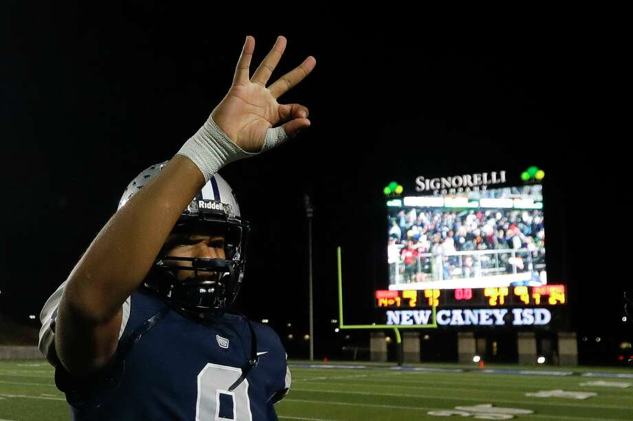 West Orange-Stark quarterback Jerren Terrell (8) signals for the fourth round of the high school playoffs after the mustangs defeated Bellville 24-14 during a Region III-4A Division II semifinal game at Randall Reed Stadium, Friday, Nov. 29, 2019, in New Caney. Photo: Jason Fochtman, Houston Chronicle / Staff Photographer / Houston Chronicle