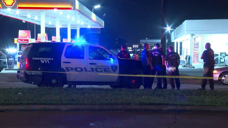 Police were investigating a fatal shooting Saturday evening outside a convenience store in southwest Houston. Photo: On Scene