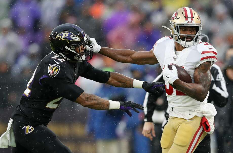 Jimmy Smith #22 of the Baltimore Ravens pushes Raheem Mostert #31 of the San Francisco 49ers out of bounds during the first half at M&T Bank Stadium on December 01, 2019 in Baltimore, Maryland. (Photo by Patrick Smith/Getty Images) Photo: Patrick Smith/Getty Images