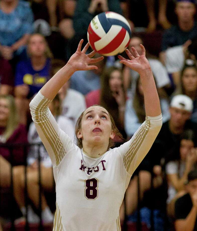 Alyssa May (8) of Magnolia West was selected as the District 19-5A Most Valuable Setter. Photo: Jason Fochtman, Houston Chronicle / Staff Photographer / Houston Chronicle