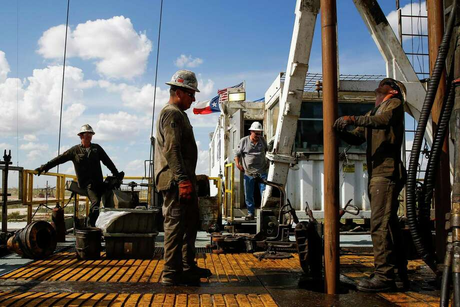 Midland exploration and production company Diamondback Energy is cutting its 2020 drilling budget for a second time this month as crude oil continue to fall to nearly 20-year lows. Photo: Michael Ciaglo, Staff / Houston Chronicle / © 2016  Houston Chronicle