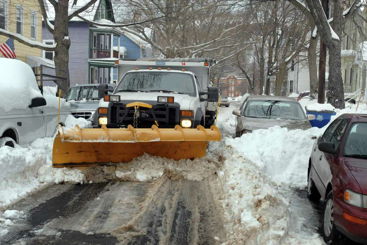 Cars not complying with winter parking regulations could be tagged or even towed, police warn