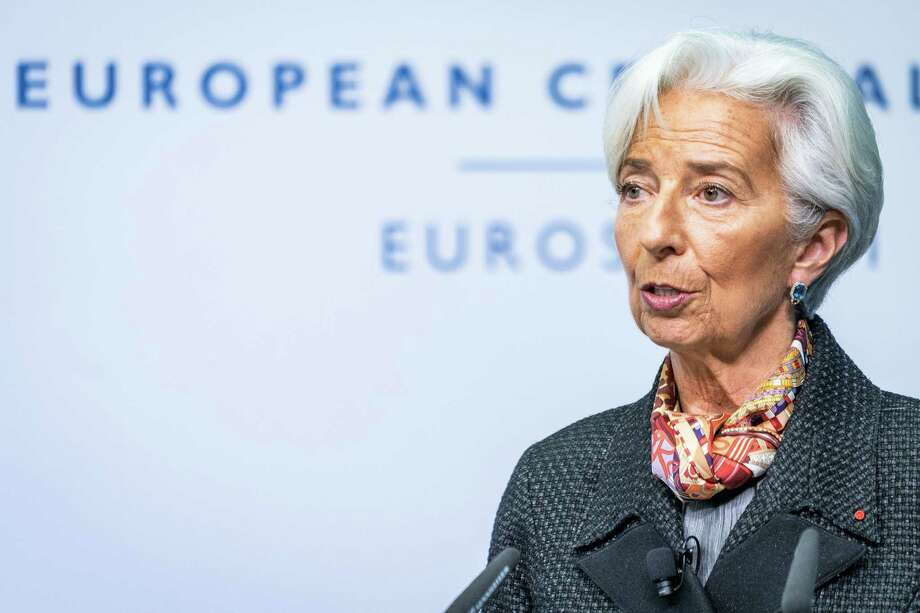 Christine Lagarde provides her signature as new president of the European Central Bank for the Euro bank notes at a press conference at the ECB headquarter building on Nov. 27, 2019 in Frankfurt, Germany. Photo: Bloomberg Photo By Peter Juelich. / © 2019 Bloomberg Finance LP
