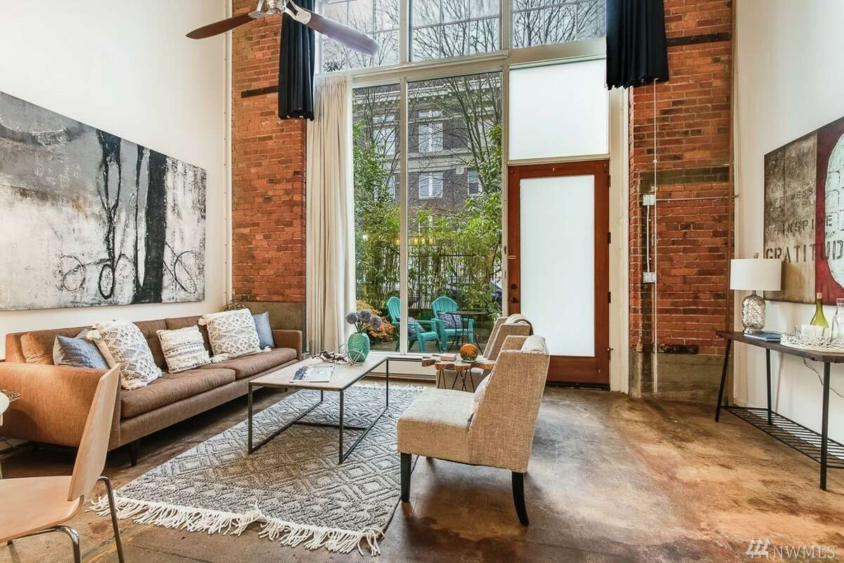 In Seattle, $700K doesn't go far when it comes to condos in high demand neighborhoods. This  $669,500 unit is 1 bed, 1.5 bath. At 878 Sq. Ft., that means a price of $763 / Sq. Ft.